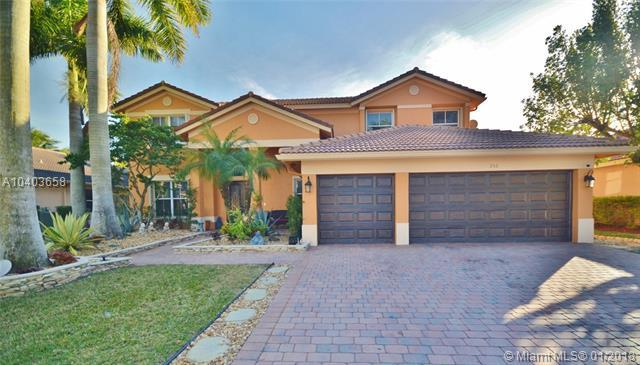 955 Marina Drive, Weston, FL 33327 (MLS #A10403658) :: The Teri Arbogast Team at Keller Williams Partners SW