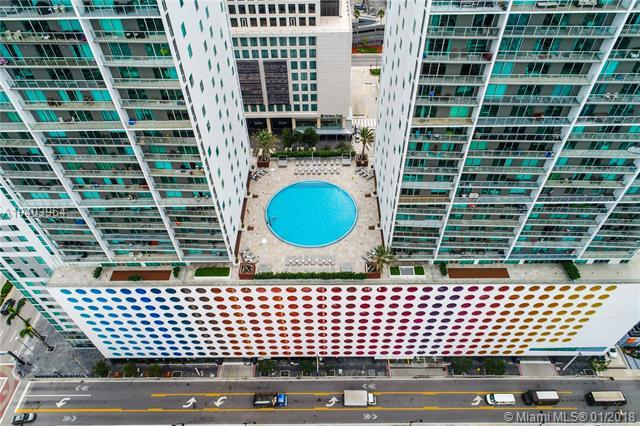 Miami, FL 33131 :: The Riley Smith Group