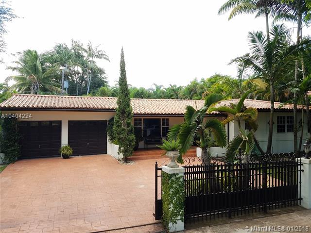 1025 Bayamo Ave, Coral Gables, FL 33146 (MLS #A10404224) :: Calibre International Realty