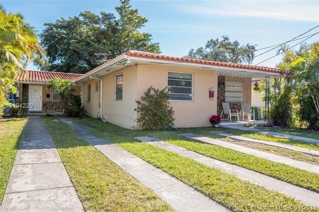 2831 SW 34th Ave, Miami, FL 33133 (MLS #A10404229) :: The Riley Smith Group