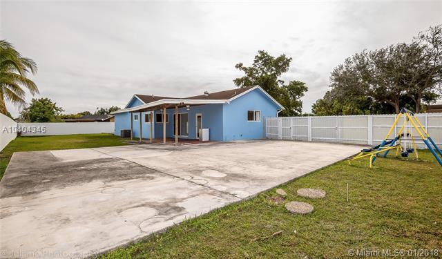 11537 SW 171st Terrace, Miami, FL 33157 (MLS #A10404346) :: Green Realty Properties