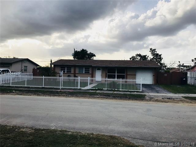 17004 SW 119th Pl, Miami, FL 33177 (MLS #A10404429) :: Green Realty Properties