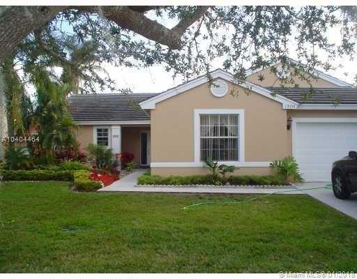13210 SW 20th St, Miramar, FL 33027 (MLS #A10404464) :: The Teri Arbogast Team at Keller Williams Partners SW