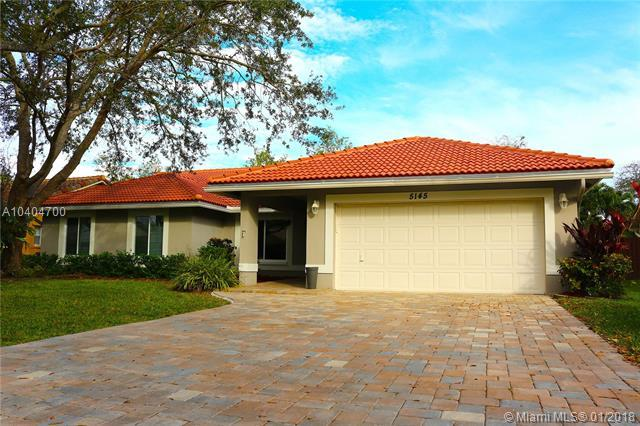 5145 NW 99, Coral Springs, FL 33076 (MLS #A10404700) :: Castelli Real Estate Services