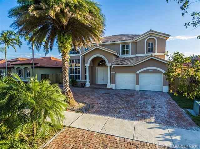 16382 SW 53rd Ter, Miami, FL 33185 (MLS #A10404715) :: The Teri Arbogast Team at Keller Williams Partners SW