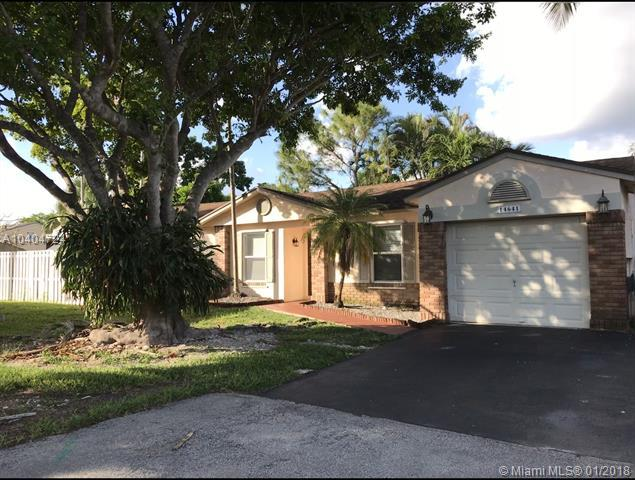 14641 S Beckley Sq, Davie, FL 33325 (MLS #A10404724) :: Green Realty Properties