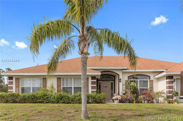 1792 Sw Anderson St, Port St. Lucie, FL 34953 (MLS #A10404844) :: The Teri Arbogast Team at Keller Williams Partners SW