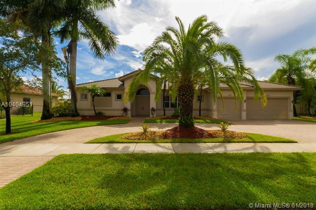 4074 SW 140th Ave, Davie, FL 33330 (MLS #A10404951) :: Green Realty Properties