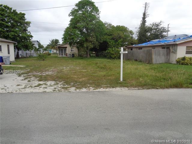 2  Terrace Nw Ter, Pompano Beach, FL 33060 (MLS #A10405100) :: The Teri Arbogast Team at Keller Williams Partners SW