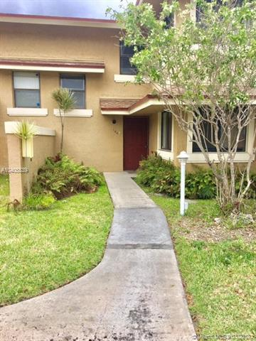630 NW 214th St 1-104, Miami Gardens, FL 33169 (MLS #A10405539) :: Green Realty Properties
