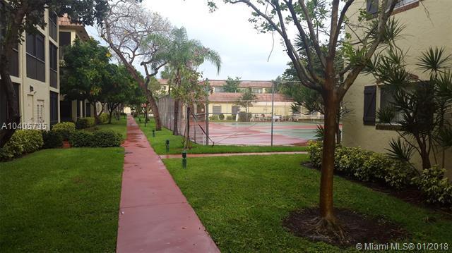 253 S Cypress Rd #218, Pompano Beach, FL 33060 (MLS #A10405735) :: Castelli Real Estate Services