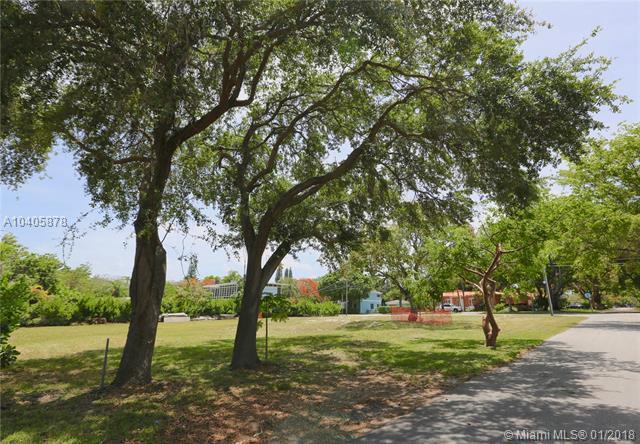 5275 NE 5th Ave, Miami, FL 33137 (MLS #A10405878) :: RE/MAX Presidential Real Estate Group