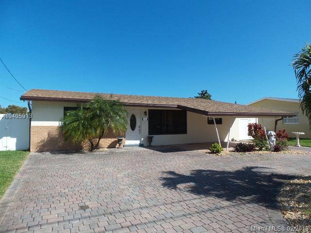 2740 NW 26th Ave, Oakland Park, FL 33311 (MLS #A10405913) :: The Teri Arbogast Team at Keller Williams Partners SW