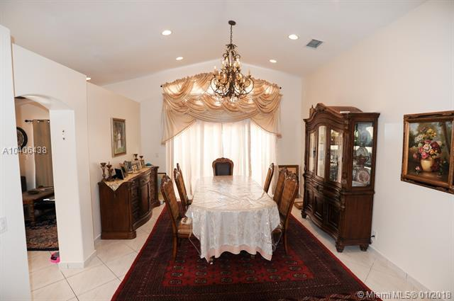 4847 SW 34th Ave, Fort Lauderdale, FL 33312 (MLS #A10406438) :: The Teri Arbogast Team at Keller Williams Partners SW