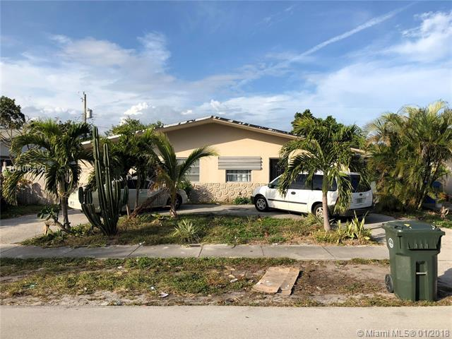 151 NE 56th Ct, Oakland Park, FL 33334 (MLS #A10406478) :: The Teri Arbogast Team at Keller Williams Partners SW