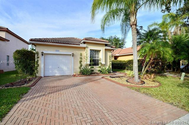 1284 NW 192nd Ln, Pembroke Pines, FL 33029 (MLS #A10406577) :: Green Realty Properties