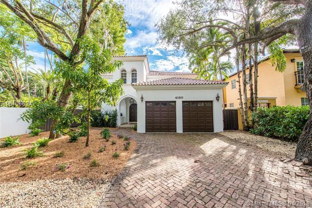 4180 Poinciana Ave, Coconut Grove, FL 33133 (MLS #A10406624) :: The Riley Smith Group