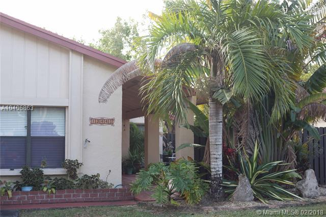13445 SW 108 ST CIR S, Miami, FL 33186 (MLS #A10406863) :: The Teri Arbogast Team at Keller Williams Partners SW