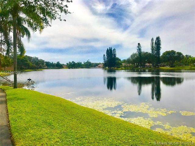 4300 NW 30th St #146, Coconut Creek, FL 33066 (MLS #A10408129) :: The Teri Arbogast Team at Keller Williams Partners SW