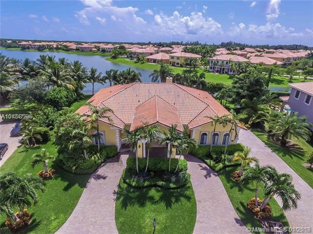 19149 SW 80th Ct, Cutler Bay, FL 33157 (MLS #A10408596) :: The Teri Arbogast Team at Keller Williams Partners SW