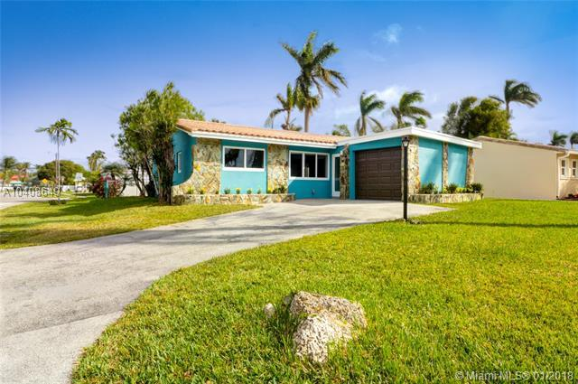 2123 N 15th Ave, Hollywood, FL 33020 (MLS #A10408649) :: The Teri Arbogast Team at Keller Williams Partners SW