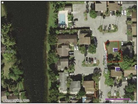 834 Cumberland Ter, Davie, FL 33325 (MLS #A10408859) :: The Teri Arbogast Team at Keller Williams Partners SW