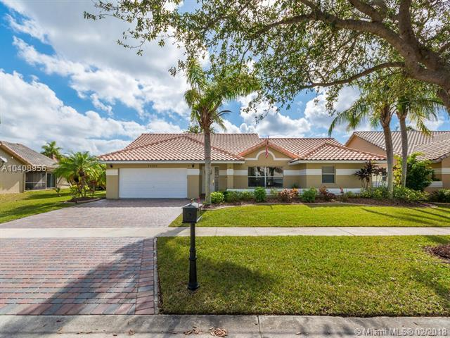16168 NW 15th St, Pembroke Pines, FL 33028 (MLS #A10408956) :: The Teri Arbogast Team at Keller Williams Partners SW