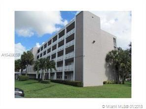 1075 Riverside Dr #305, Coral Springs, FL 33071 (MLS #A10409058) :: The Teri Arbogast Team at Keller Williams Partners SW