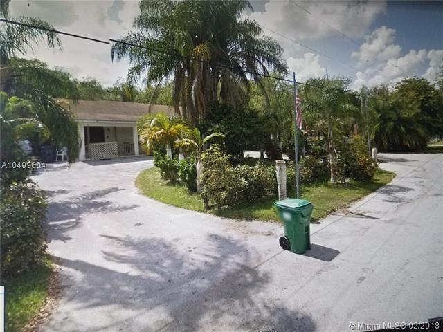 15520 SW 209 Ave, Miami, FL 33187 (MLS #A10409604) :: The Teri Arbogast Team at Keller Williams Partners SW