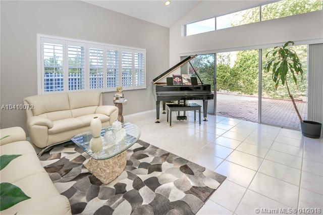 1840 Sweetbay Way, Hollywood, FL 33019 (MLS #A10410072) :: The Teri Arbogast Team at Keller Williams Partners SW