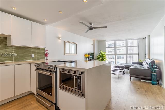 1228 West Ave #805, Miami Beach, FL 33139 (MLS #A10410289) :: Live Work Play Miami Group