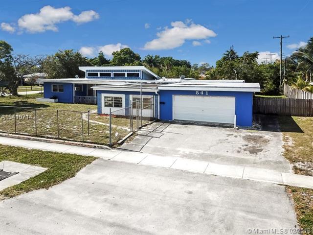 541 SW 31st Ave, Fort Lauderdale, FL 33312 (MLS #A10410714) :: The Teri Arbogast Team at Keller Williams Partners SW