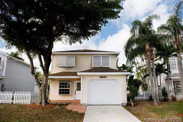 4681 Lakeside Cir, West Palm Beach, FL 33417 (MLS #A10411191) :: The Teri Arbogast Team at Keller Williams Partners SW
