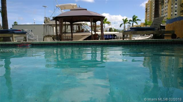 Miami, FL 33136 :: Green Realty Properties