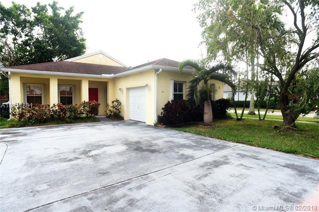 94 NW 3 St, Homestead, FL 33030 (MLS #A10411861) :: The Teri Arbogast Team at Keller Williams Partners SW
