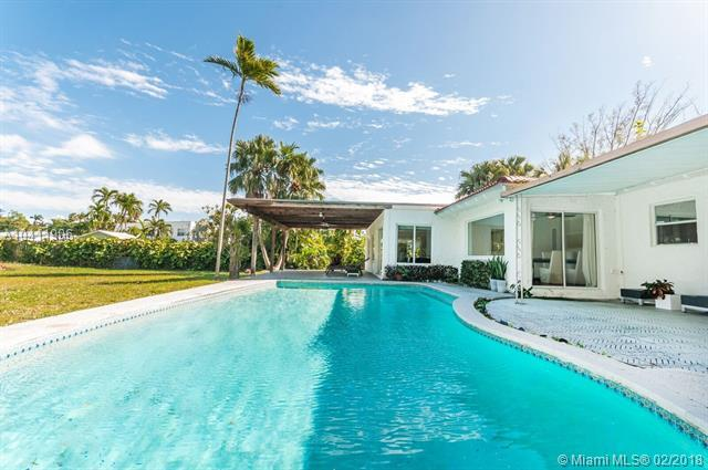 11615 Griffing Boulevard, Biscayne Park, FL 33161 (MLS #A10411906) :: The Jack Coden Group
