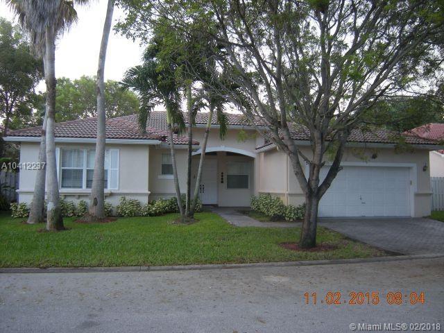 5320 SW 32 Avenue, Hollywood, FL 33312 (MLS #A10412237) :: The Teri Arbogast Team at Keller Williams Partners SW