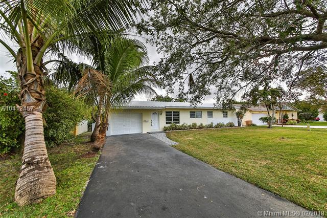 7514 NW 40th St, Coral Springs, FL 33065 (MLS #A10412457) :: The Teri Arbogast Team at Keller Williams Partners SW