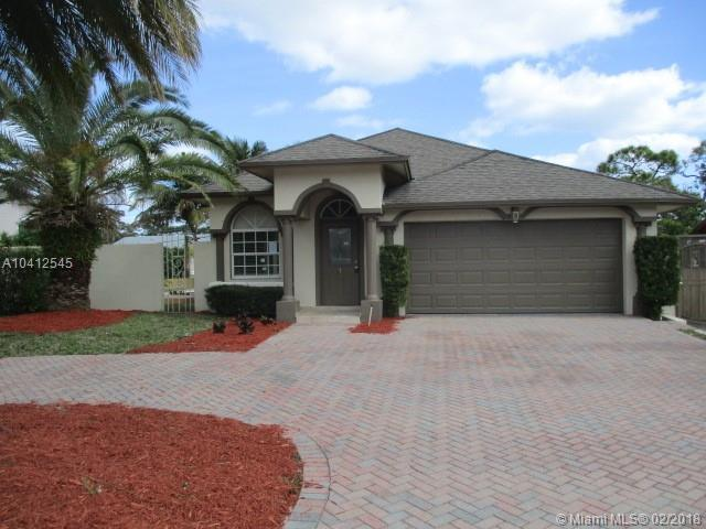 6720 Westview Dr, Lake Worth, FL 33462 (MLS #A10412545) :: The Teri Arbogast Team at Keller Williams Partners SW
