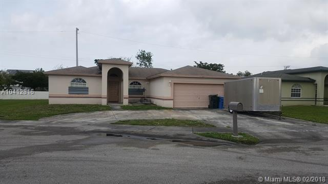 3279 NW 43rd Place, Oakland Park, FL 33309 (MLS #A10412816) :: The Teri Arbogast Team at Keller Williams Partners SW