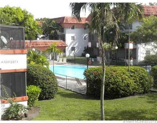 10907 N Kendall Dr #424, Miami, FL 33176 (MLS #A10412871) :: The Teri Arbogast Team at Keller Williams Partners SW