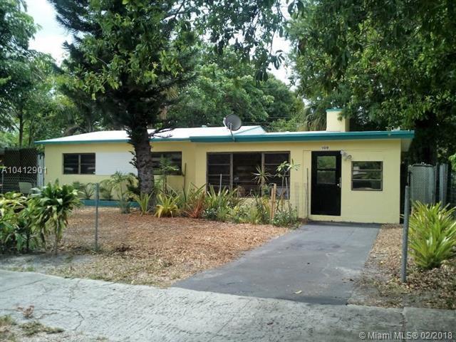 109 SW 21st Way, Fort Lauderdale, FL 33312 (MLS #A10412901) :: The Teri Arbogast Team at Keller Williams Partners SW