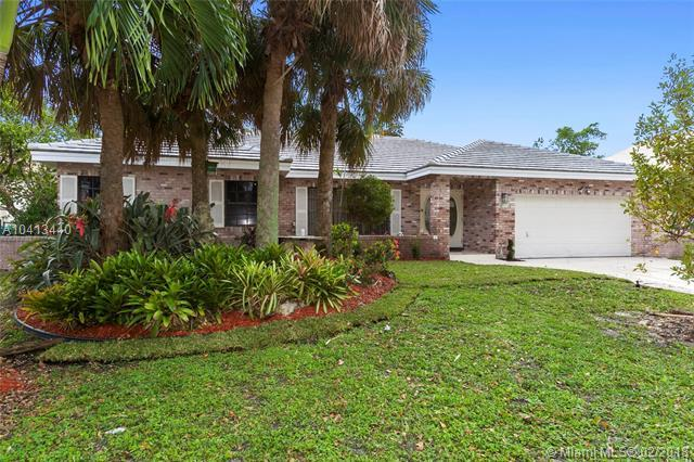 9110 NW 41st Mnr, Coral Springs, FL 33065 (MLS #A10413440) :: The Teri Arbogast Team at Keller Williams Partners SW