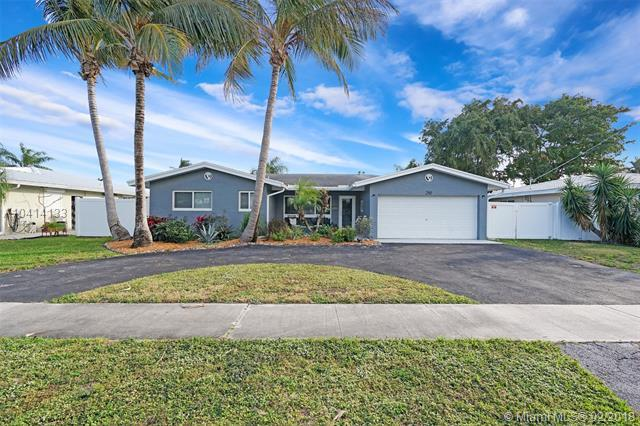 280 SE 3rd St, Pompano Beach, FL 33060 (MLS #A10414133) :: The Teri Arbogast Team at Keller Williams Partners SW