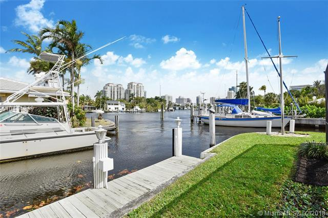 624 SW 8th Ter, Fort Lauderdale, FL 33315 (MLS #A10414849) :: Stanley Rosen Group