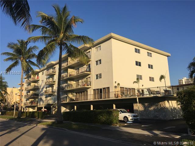 North Miami Beach, FL 33160 :: The Teri Arbogast Team at Keller Williams Partners SW