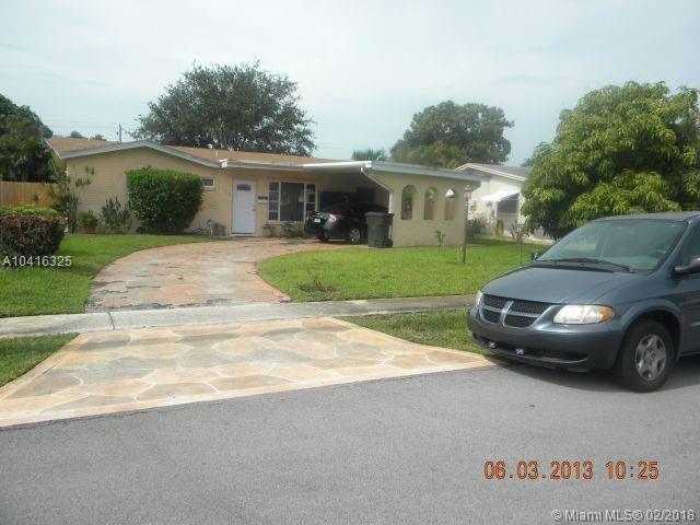 4566 NW 41st Ct, Lauderdale Lakes, FL 33319 (MLS #A10416325) :: The Teri Arbogast Team at Keller Williams Partners SW