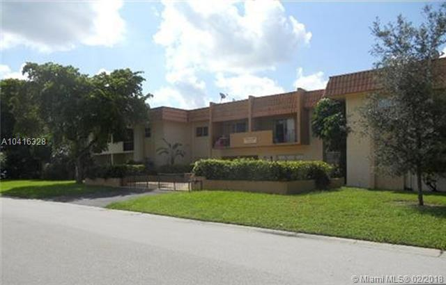 10270 NW 35th St, Coral Springs, FL 33065 (MLS #A10416328) :: The Teri Arbogast Team at Keller Williams Partners SW