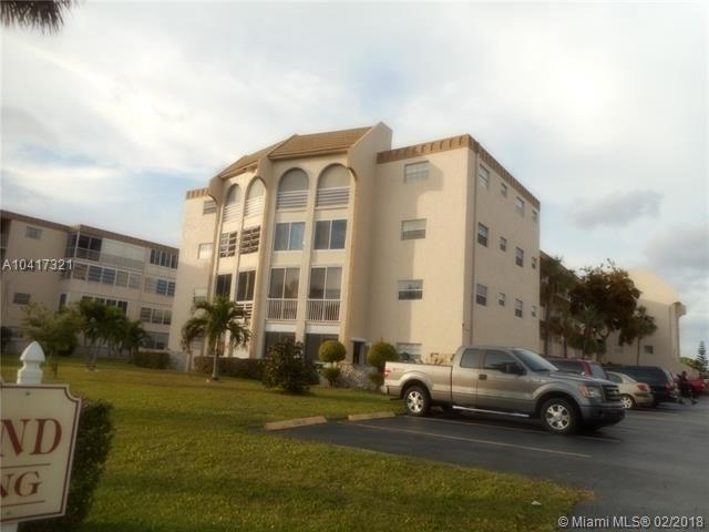 4211 NW 41st St #109, Lauderdale Lakes, FL 33319 (MLS #A10417321) :: The Teri Arbogast Team at Keller Williams Partners SW