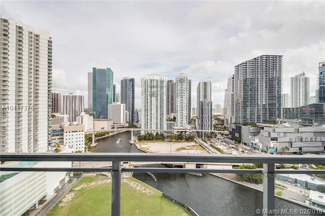 92 SW 3rd St #2311, Miami, FL 33130 (MLS #A10417376) :: The Teri Arbogast Team at Keller Williams Partners SW